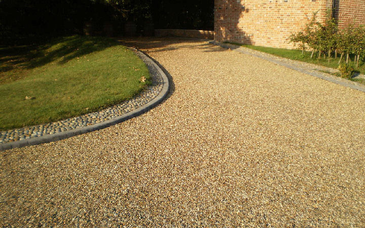 a gravel driveway installation