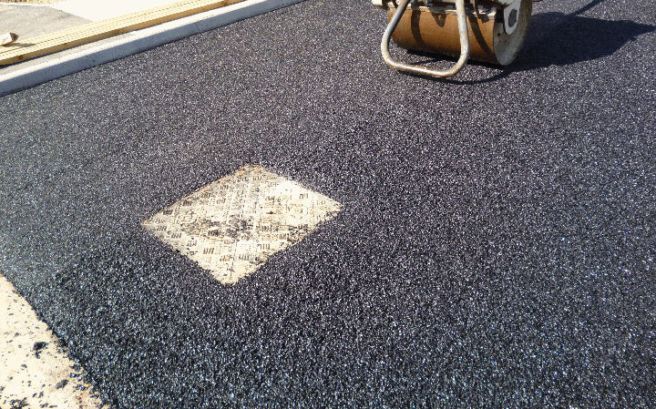 A tarmac surfacing installation